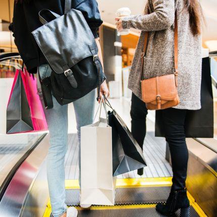 Studien belegen: Die Deutschen gehen zwar immer seltener einkaufen, geben dafür aber mehr aus – ein Trend?