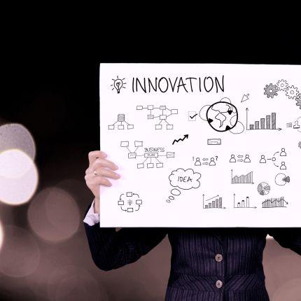 Trotz Digitalisierung, Same-Day-Delivery hat das inhabergeführte Geschäft eine Zukunft, wie eine aktuelle Studie belegt.