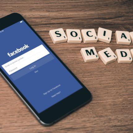 12 % der Weltbevölkerung sind auf Facebook aktiv. Grund genug, um eine Facebook Corporate Page einzurichten?