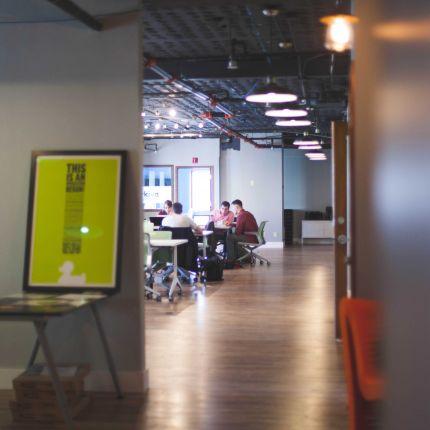 Mit diesen Tipps gelingt der Brückenschlag zwischen Bewerber und Unternehmen im Nu.