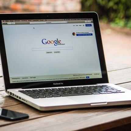 Als allwissendes Orakel beantwortet Google inzwischen komplexe Fragen. Das birgt auch für Dein Unternehmen Chancen.