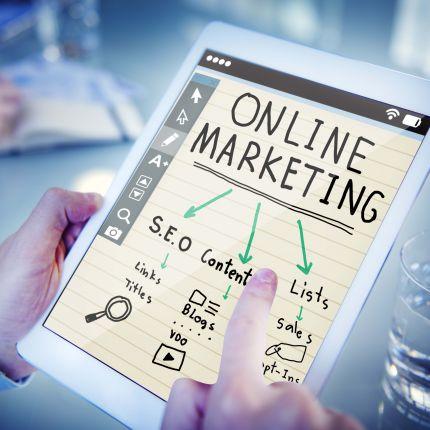 Online-Bannerwerbung ist Teil zahlreicher Internetseiten. Doch wie effektiv ist diese Form der Online-Werbung überhaupt?