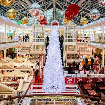 Bei einer Umfrage waren sich die mehr als 2.000 Teilnehmer überraschend oft einig: Einkaufen zu Weihnachten folgt besonderen Ritualen.